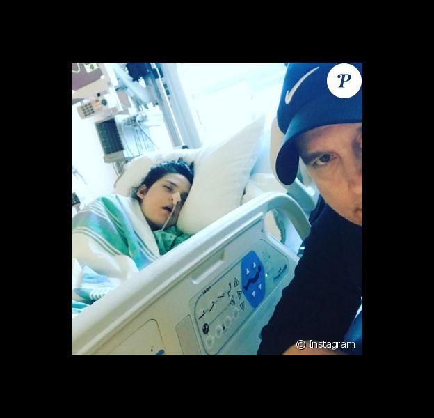 Jean-Marc Généreux et sa petite Francesca, atteinte du syndrome de Rett, le 8 mai 2017 à l'hôpital Pierre Boucher au Québec.