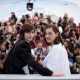 """Charlotte Gainsbourg, Marion Cotillard au photocall du film """"Les Fantômes d'Ismaël"""" lors du 70ème Festival International du Film de Cannes, le 17 mai 2017. © Cyril Moreau/Bestimage"""