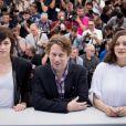 """Charlotte Gainsbourg, Mathieu Amalric, Marion Cotillard au photocall du film """"Les Fantômes d'Ismaël"""" lors du 70e Festival International du Film de Cannes, le 17 mai 2017. © Cyril Moreau/Bestimage"""