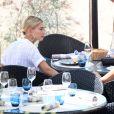 Bella Hadid et Hailey Baldwin à Cannes, le 17 mai 2017.