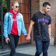 """"""" Joe Jonas et sa compagne Sophie Turner - Les célébrités à la sortie de l'hôtel Bowery à New York, le 2 mai 2017. """""""