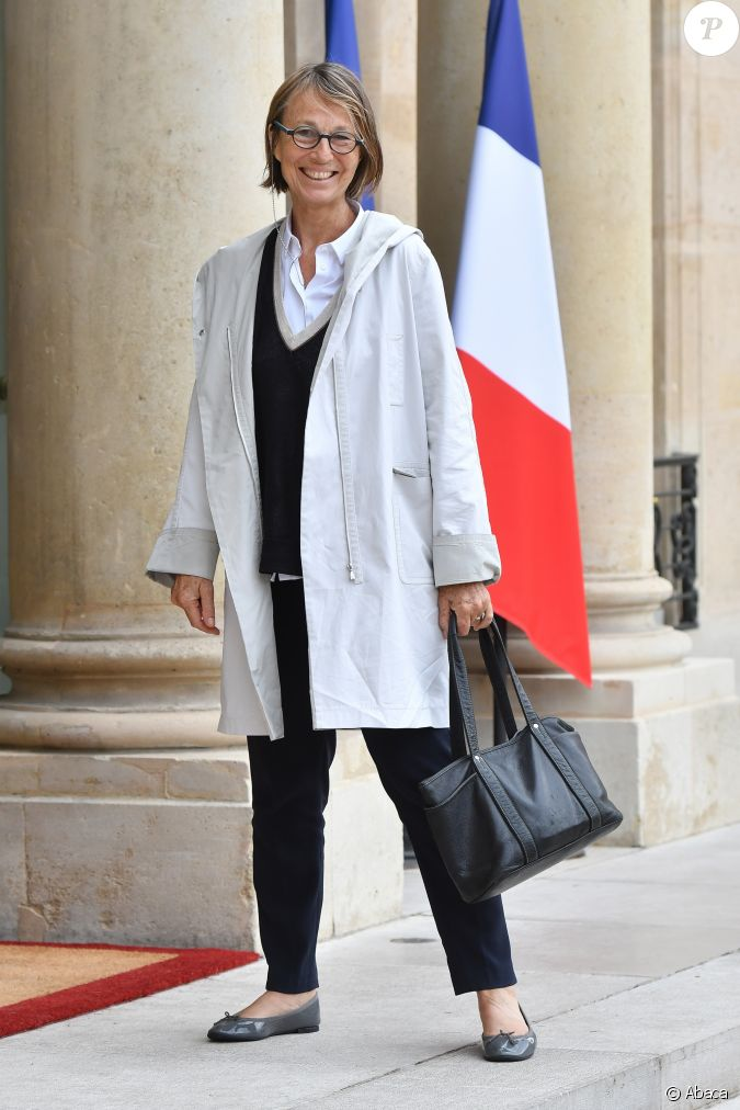 Francoise nyssen arrive au premier conseil des ministres for Ministre de france