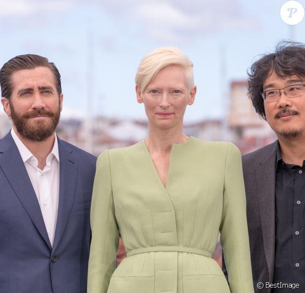 "Jake Gyllenhaal, Tilda Swinton et Hee-Bong Byun - Photocall du fim ""Okja"" lors du 70e Festival International du Film de Cannes, France, le 19 mai 2017. © Borde-Jacovides-Moreau/Bestimage"