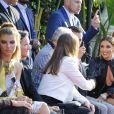 """Eva Longoriaau défilé de mode Philipp Plein dans la villa """"La Jungle du Roi"""" lors du 70ème festival de Cannes le 24 mai 2017."""