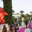 """Le Kong de R. Orlinskiau défilé de mode Philipp Plein dans la villa """"La Jungle du Roi"""" lors du 70ème festival de Cannes le 24 mai 2017."""