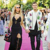 Paris Hilton et son jeune amoureux défilent devant Eva Longoria et son mari