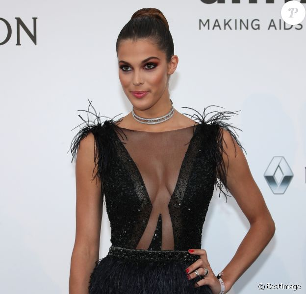 "Iris Mittenaere - Photocall de la 24e édition du gala de l'amfAR ""Cinéma Against AIDS"" à l'hôtel de l'Eden Roc au Cap d'Antibes, le 25 mai 2017, en marge du 70e Festival International du Film de Cannes. © Borde-Jacovides-Moreau/Bestimage"