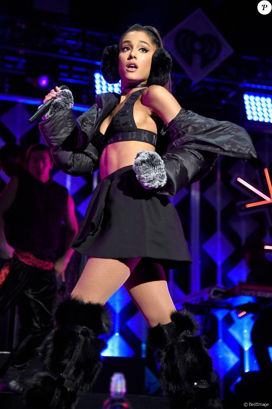 Ariana Grande Tacl E Par Une Star De T L Pour Avoir Quitt Manchester