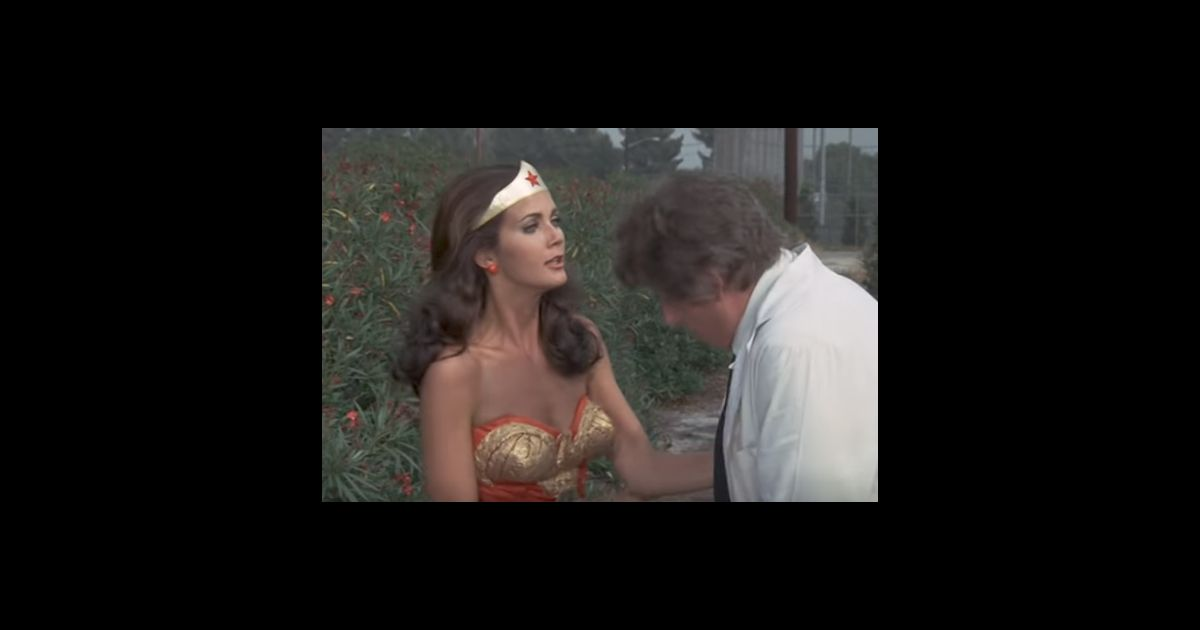 extrait de la s rie wonder woman des ann es 1970. Black Bedroom Furniture Sets. Home Design Ideas
