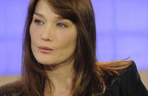 VIDEO : Carla Bruni... vedette du final du défilé Dior !