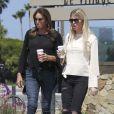 Caitlyn Jenner est allée avec une amie prendre un café dans la matinée à emporter à Malibu, le 16 mai 2017. © CPA/Bestimage