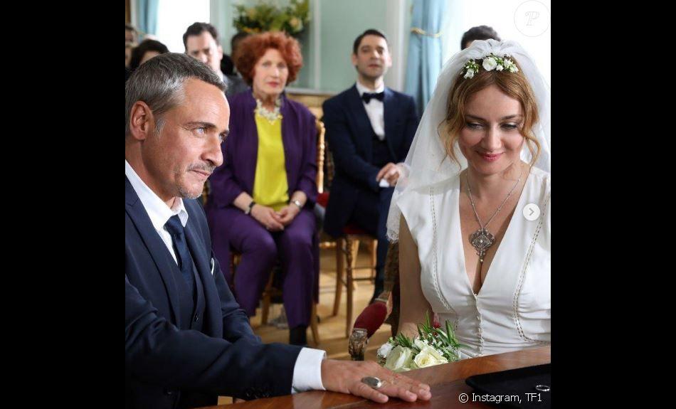 La juge Alice Nevers (jouée par Marine Delterme) et le commandant Fred Marquand (interprété par Jean-Michel Tinivelli se marient dans le dernier épisode de la saison 14 de la série  Alice Nevers, le juge est une femme , sur TF1.