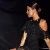 The Voice : Karine Ferri, épaule dénudée sur peau nacrée, pour la finale