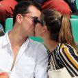 Juan Arbelaez et sa compagne Laury Thilleman (Miss France 2011) - Les célébrités dans les tribunes lors des internationaux de France de Roland-Garros à Paris, le 4 juin 2017. © Dominique Jacovides-Cyril Moreau/Bestimage