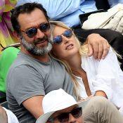 Roland-Garros : Gilles Lellouche amoureux câlin, Guillaume Canet en blond