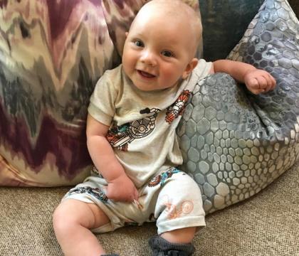Pink publie une adorable photo de son fils : A peine 6 mois et déjà irrésistible