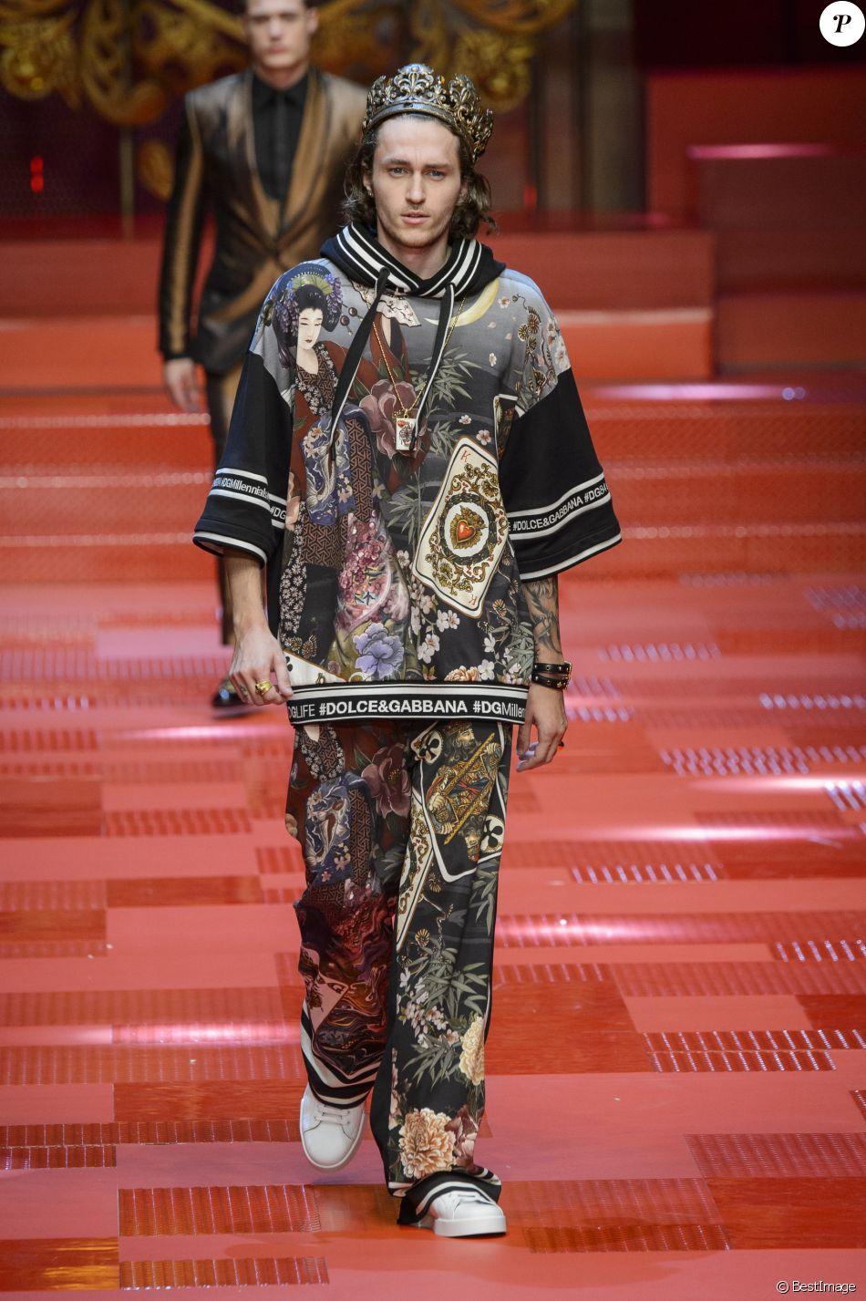 a693c4f981 Braison Cyrus (petit frère de Miley Cyrus) - Défilé de mode Dolce &  Gabbana, collection masculine printemps-été 2018 à Milan. Le 17 juin 2017.