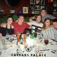 René-Charles, le fils de Céline Dion, s'amuse avec ses amis à Las Vegas. Juin 2017.