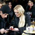 Lindsay Lohan, ici en compagnie d'Alessandro di Nunzio, l'un des trois hommes avec lesquels elle a flirté à Capri