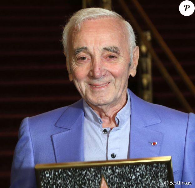 Charles Aznavour à Hollywood en octobre 2016 lors de la remise d'une étoile d'honneur pour sa contribution aux arts et son rôle au sein de la communauté arménienne à Hollywood.