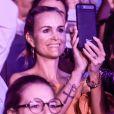 """Laeticia Hallyday et Caroline de Maigret - Premier concert """"Les Vieilles Canailles"""" au stade Pierre Mauroy à Lille. Le trio sera en concert à Paris à l'Accorhotels Arena Popb Bercy le 24 juin, et sera retransmis en direct sur TF1 en Prime Time. Lille, le 10 juin 2017 © Andre.D / Bestimage"""