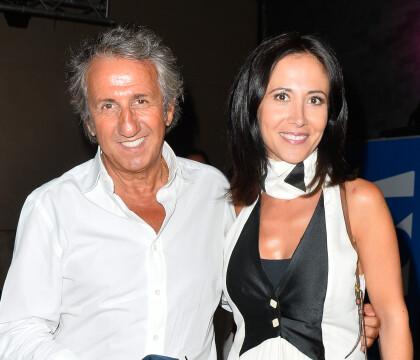 Fabienne Carat élégante et originale au côté de Richard Anconina