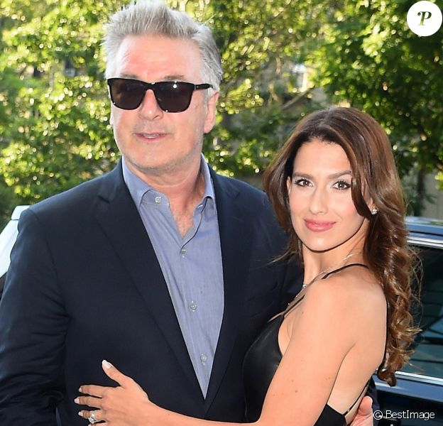 """Alec Baldwin et sa femme Hilaria Baldwin arrivent à la première de """"Blind"""" à New York, le 26 juin 2017"""