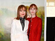 Isabelle Huppert et sa fille Lolita Chammah, de nouveau réunies, font Barrage