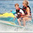 Lady Diana et le prince Harry faisant du jet-ski au large de Saint-Tropez en juillet 1997.