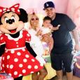 Rob Kardashian et Blac Chyna à Disney avec leur fille Dream - Photo publiée sur Instagram le 19 juin 2017