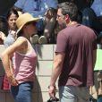 Ben Affleck et Jennifer Garner assistent avec leurs enfants Violet, Seraphina et Samuel à la parade patriotique du 4 juillet à Pacific Palisades, le 4 juillet 2017