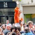 La star Céline Dion à la sortie de l'hôtel Le Royal Monceau à Paris, France, le 9 juillet 2017.
