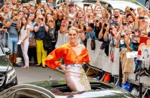 Céline Dion : Coincée dans une marée humaine, elle reçoit... un chèque !