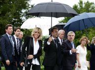 Emmanuel et Brigitte Macron : En marche malgré la pluie pour les JO