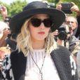 """Jennifer Lawrence arrivant au défilé de mode Haute-Couture automne-hiver 2017/2018 """"Christian Dior"""" à l'Hôtel des Invalides à Paris, le 3 juillet 2017"""