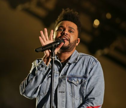 Lollapalooza Paris : The Weeknd au top et un pantalon qui craque en plein show