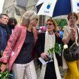 Natalie Rich-Fernandez, Catherine Rich et Delphine Rich, la femme et les filles de Claude Rich lors des obsèques de Claude Rich en l'église Saint-Pierre-Saint-Paul d'Orgeval à Orgeval le 26 juillet 2017.26/07/2017 - Orgeval