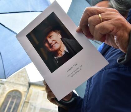 Obsèques de Claude Rich: Sa femme Catherine, sa fille et sa petite-fille réunies