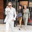 Yolanda Hadid et ses enfants Anwar et Gigi à New York. Le 17 juillet 2017.