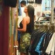 """""""Kim Kardashian et Kendall Jenner font du shopping au magasin ''Search & Destroy'', dans le quartier d'East Village. New York, le 1er août 2017."""""""