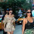 Kim Kardashian et Kendall Jenner font du shopping au magasin ''Search & Destroy'', dans le quartier d'East Village. New York, le 1er août 2017.