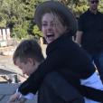 """""""Amber Heard s'amusant avec les fils de son compagnon Elon Musk lors d'une journée passée à Sydney le 30 mai 2017"""""""
