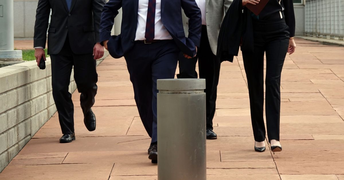 Tree paine l 39 attach e de presse de taylor swift la sortie du tribunal - Journaux sorties du jour ...