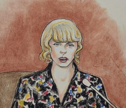 """Taylor Swift agressée sexuellement par un DJ : """"Il m'a bien attrapé les fesses"""""""