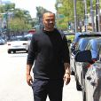 Jesse Williams se promène à Beverly Hills le 9 juin 2017.