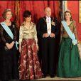 Letizia d'Espagne entourée de la reine Sofia, de Cristina Fernandez Kirchner et du roi Juan Carlos