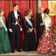 Letizia d'Espagne et Felipe le 9/02 à Madrid, entourés de la reine Sofia, de Cristina Fernandez Kirchner et du roi Juan Carlos