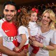 Radamel Falcao avec sa femme Lorelei Taron enceinte et ses filles Dominique et Desirée lors de la rencontre de football de Ligue 1 opposant Monaco à St Etienne au stade Louis II à Monaco le 17 mai 2017.© Bruno Bebert/Bestimage