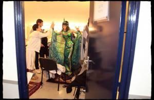Bienvenue dans les coulisses de Cléopâtre : découvrez l'envers du décor avec Sofia, Kamel, Chris et les danseurs...