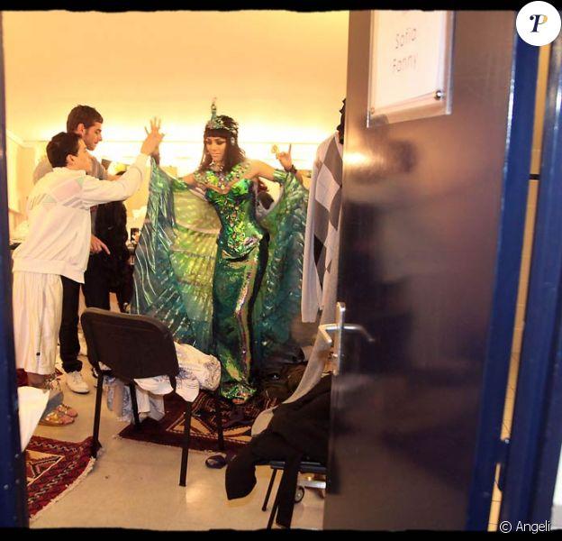 Bienvenue dans les coulisses de la comédie musicale Cléopâtre !